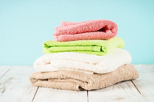 Broderie personnalisée serviette de bain en guise de cadeau